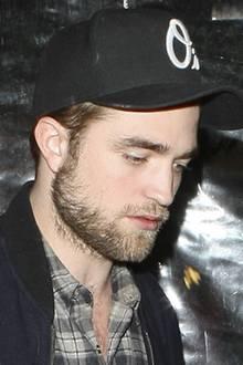 Robert Pattinson + Sarah Roemer
