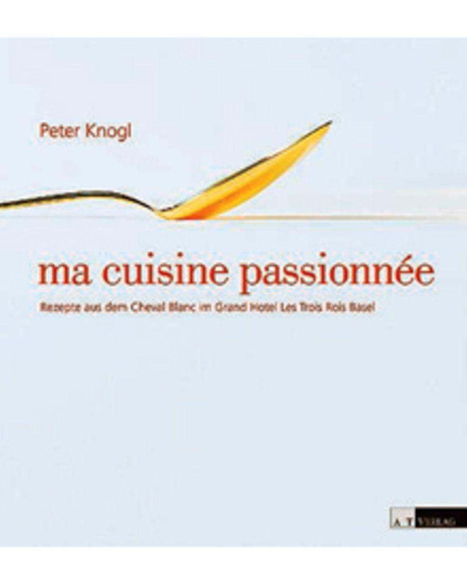 """Seit 2007 ist Peter Knogl Küchenchef im Basler """"Cheval Blanc"""". Kompositionen                                       wie """"Taschenkrebs mit Yuzu und Senfeis"""" oder """"Hasel"""