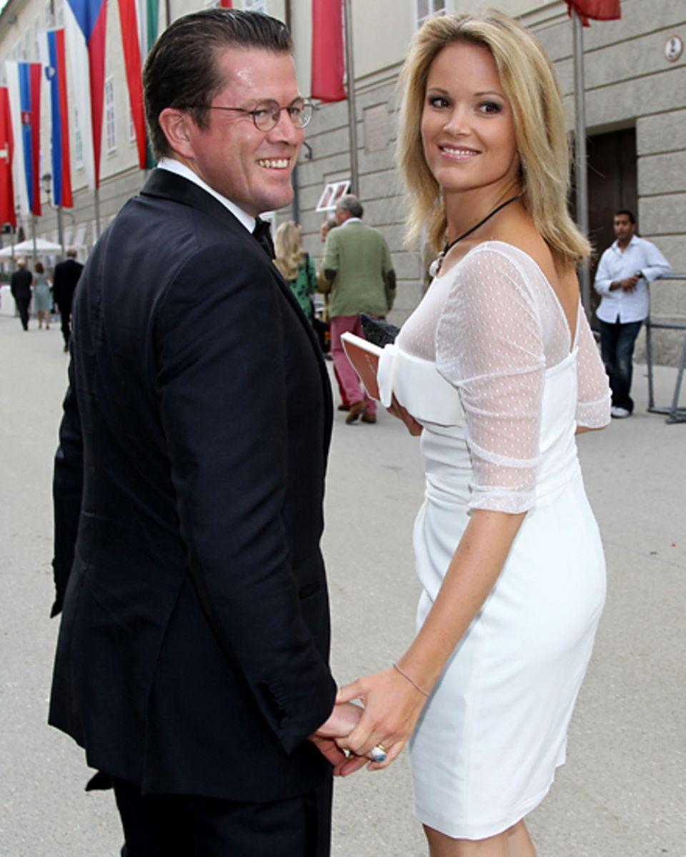 Hand in Hand: Stephanie zu Guttenberg, 35, steht auch in der Krise zu ihrem Mann.