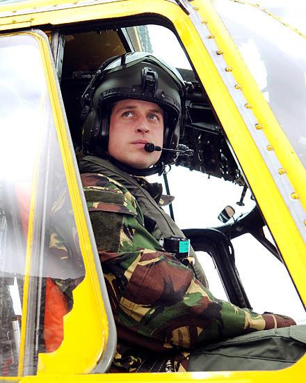 Als Offizier der Luftwaffe fliegt William Einsätze im Rettungshubschrauber. Noch bis zum Ende des Jahres ist er auf der Insel An
