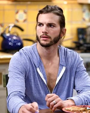Ashton Kutcher verdient 700 000 Dollar pro Folge, besitzt aber nur einen Einjahresvertrag. Momentan wird neu verhandelt. Kutcher