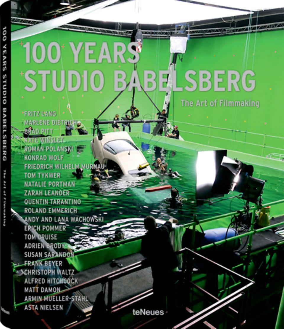 """Das Buch zum Jubiläum:""""100 Years Studio Babelsberg"""" ist beim Verlag teNeues erschienen (260 S. mit zahlreichen Fotos, 59,90 Euro"""