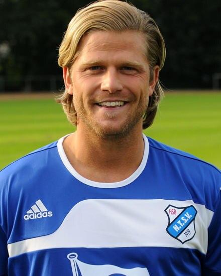 Paul Janke trainiert wieder mit seinem alten Fußballverein in Hamburg. Eigentlich will er jetzt jedoch eine TV-Karriere starten.