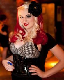 Die royale Verwandschaft: Burlesque-Tänzerin Katrina Darling ist die Cousine von Herzogin Catherine