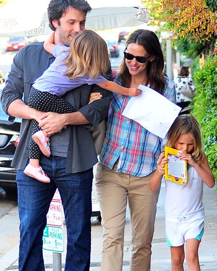 Ganz entspannt sind Ben Affleck und Jennifer Garner im mit ihren Kindern Seraphina und Violet in Brentwood unterwegs.