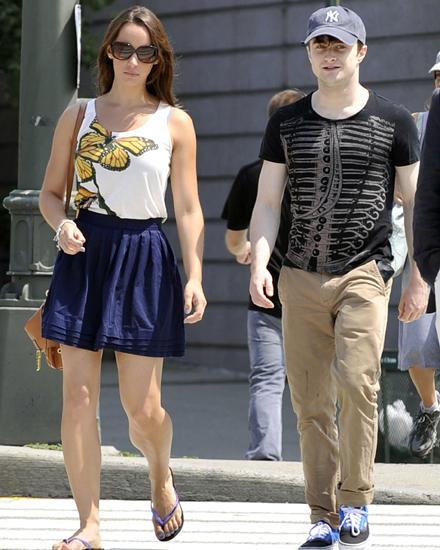 """Radcliffe mit seiner Freundin Rosanne Coker, 22. Die Produktionsassistentin lernte er noch am Set von """"Harry Potter"""" kennen - wi"""
