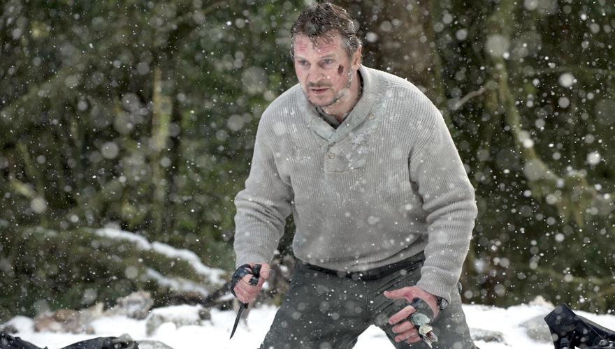 """Bis aufs Blut verteidigt sich Ottway (Liam Neeson) in """"The Grey -  unter Wölfen"""". Kann er den Kamp Mensch gegen Naturgewalt gewi"""