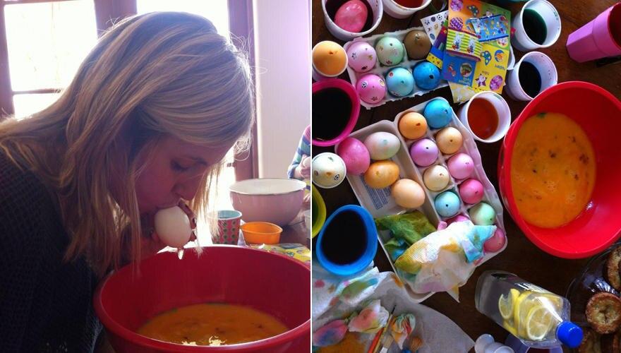Supermutti: Heidi twitterte zu Ostern Bilder von sich, wie sie mit ihren Kindern Ostereier ausbläst und bemalt.