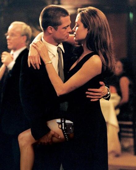 """2004: So fing alles an: Am Set der Actionkomödie """"Mr. & Mrs. Smith"""" verlieben sich Brad Pitt und Angelina Jolie ineinander - da"""