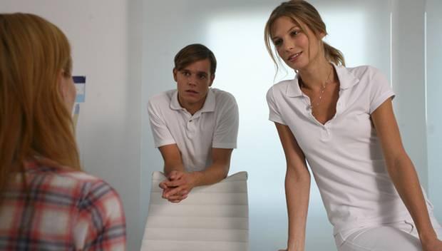 """Sarah Brandner in einer Szene aus dem ZDF-Film """"Bella Australia""""."""