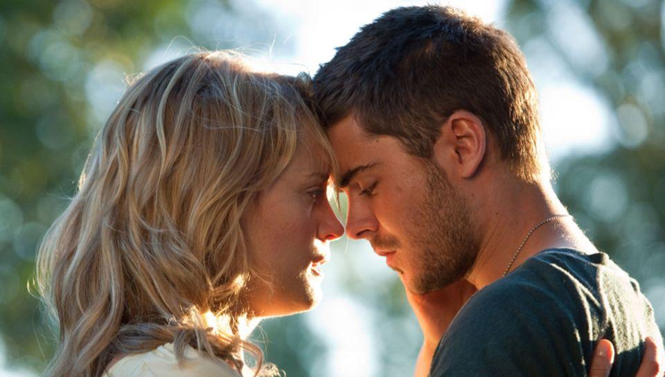 """Taylor Schilling und Zac Efron im Film """"The Lucky One"""""""