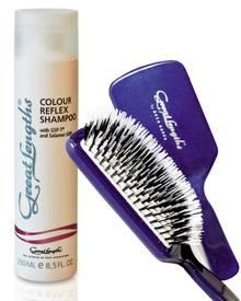"""Damit Extensions und Haarteile schön glänzen, sollte man spezielle Pflegeprodukte benutzen, z. B. das """"Color Reflex Shampoo"""" von"""