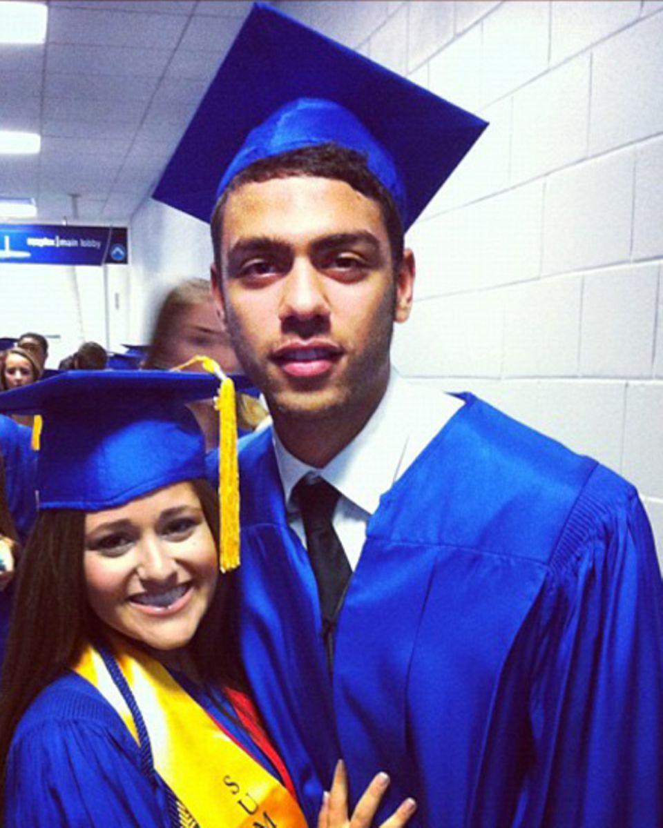 Noah Becker mit einer Schulfreundin bei der Abschlussfeier.
