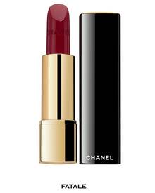 """Chanel Rouge Allure in """"Fatale"""" ist ein klassisch kräftiger Rotton für einen intensiven Look"""