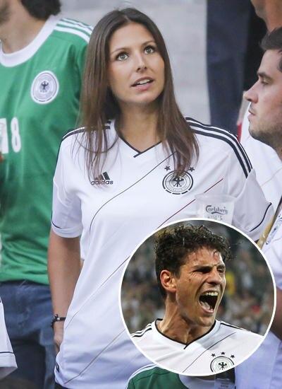 Silvia Meichel, 24, gehört zu den erfahreneren Spielerfrauen, hat an der Seite von Mario Gomez, 26, schon eine EM und eine WM er