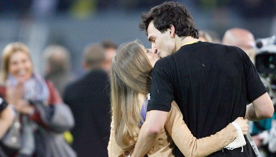 """Dreamteam:Mats Hummels und Catherine Fischer, 24. Beide leben zu sammen in Dortmund. """"Dort fühlt er sich sehr wohl, er hat eine"""