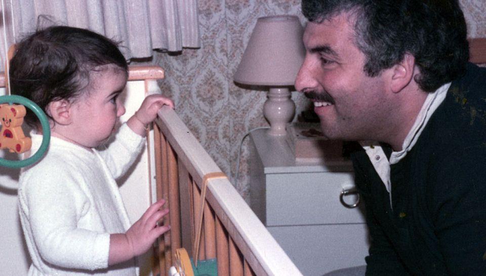 """London, Mitte der Achtziger: In seinem Buch """"Meine Tochter Amy"""" beschreibt Winehouse die Sängerin als glückliches Kleinkind."""