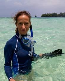 """Céline Cousteau, 39, ist Taucherin, Umweltschützerin, Dokumentarfilmerin. Wie sie Schönheit definiert? In erster Linie als """"eine"""