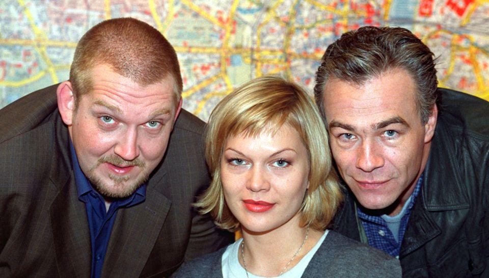 """Die Kölner Tatort-Kommissare """"Max Ballauf"""" (Klaus J. Behrendt, rechts) und """"Freddy Schenk"""" (Dietmar Bär, links) mit ihrer Sekret"""