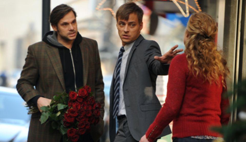 Zwei Männer (Alexander Beyer als Gregor, Tom Wlaschiha als Chris) streiten sich um eine Frau (Diana Amft) und ihr Baby.