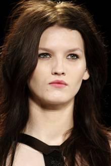 BCBG Max Azria Beauty-Look