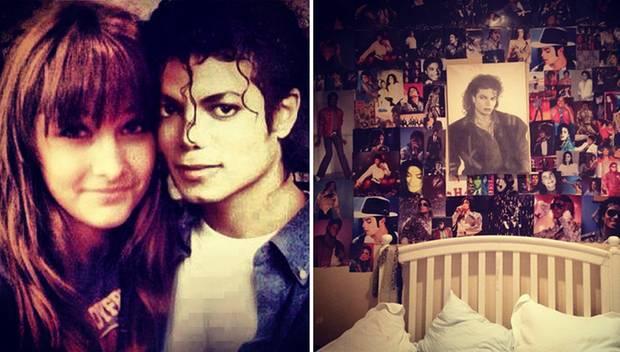 Über das Netzwerk Twitter gibt die erst 14-jährige Paris Einblicke in ihr Seelenleben. An Michael Jacksons 54. Geburtstag postet