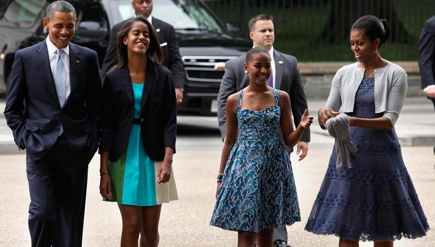 Trotz voller Terminkalender verbringen Barack und Michelle Obama so viel Zeit wie möglich mit ihren Töchtern Sasha und Malia.