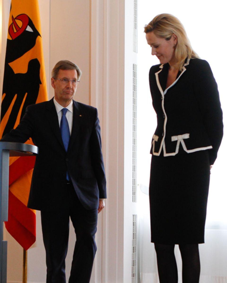 Als First Lady machte sie stets eine gute Figur - bis einschließlich zum unrühmlichen Abgang von Christian Wulff im Februar 2012