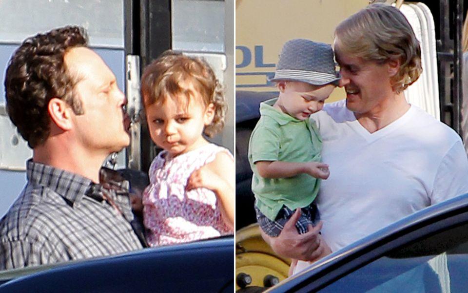In den Drehpausen kümmerten sich Vince Vaughn(links) und Owen Wilson (rechts) liebvoll um ihre Kinder.