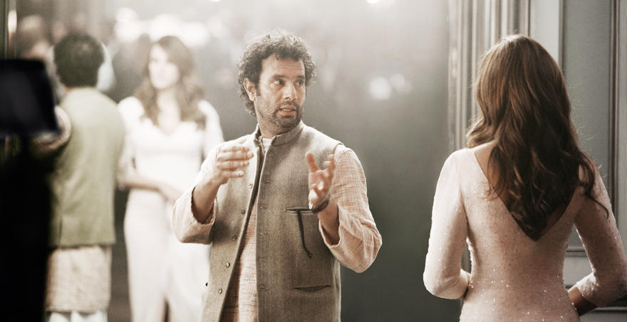 Die Dreharbeiten zum Lancôme-Spot fanden in den Universal Studios in L. A. statt. Mit Regisseur Tarsem Singh hat Julia Roberts b