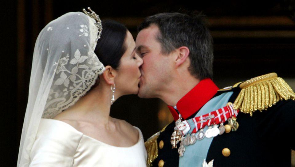 14. Mai 2004: Eine echte Traumhochzeit: Eine Frau vom Ende der Welt - Mary stammt aus Australien - heiratet einen der begehrtest