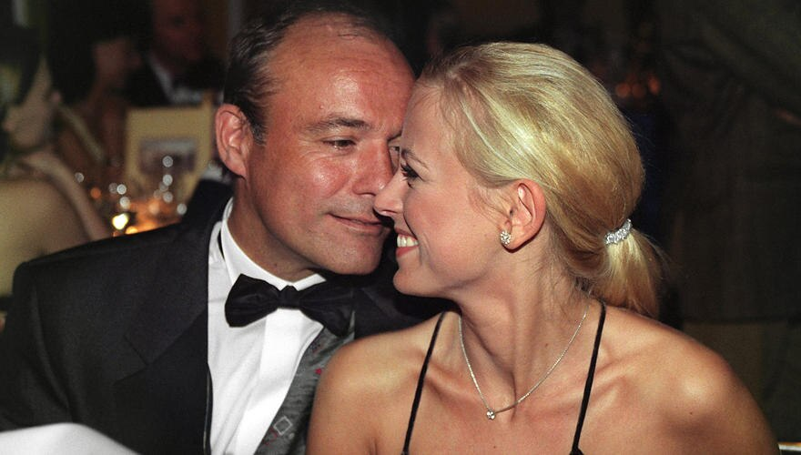 1998 begleitete Jenny Elvers ihren damaligen Partner Heiner Lauterbach zum Deutschen Filmball nach München.