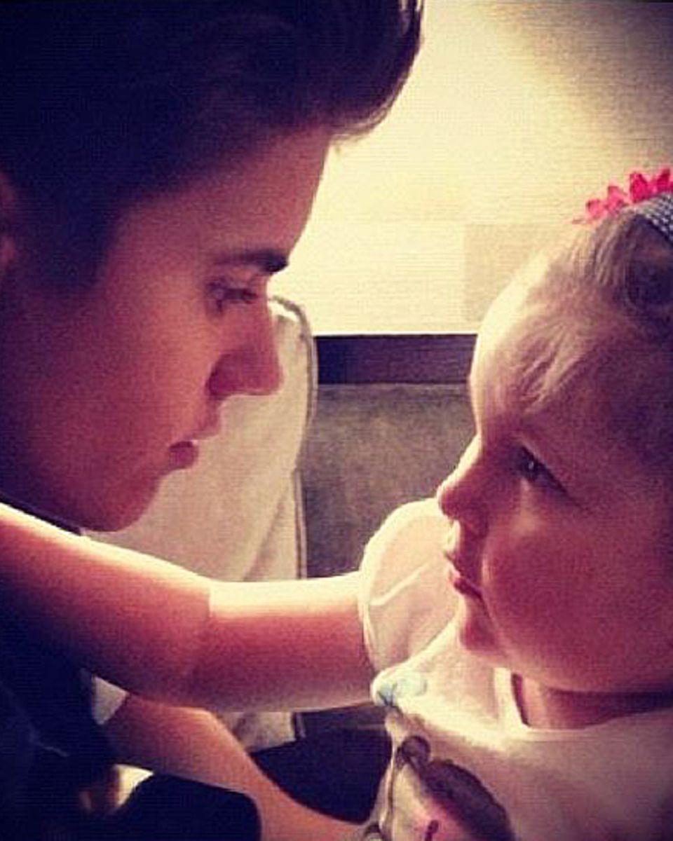 Dieses Foto von sich und Avalanna Routh twitterte Justin Bieber, nachdem er von ihrem Tod erfahren hatte.