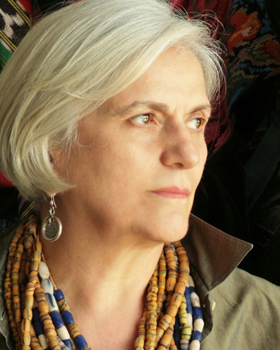 Die 65-jährige Kreativdirektorin Laura Lusardi ist die Hüterin der Traditionen. Mit 18 Jahren fing sie bei Max Mara an. Seit der