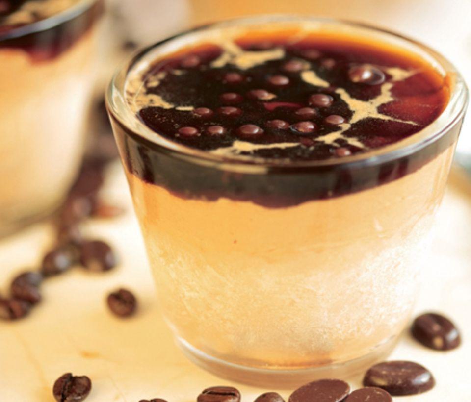 Schokoladenparfait mit Cappuccinosoße