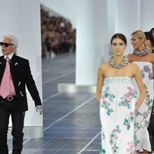 Karl Lagerfeld und seine Models