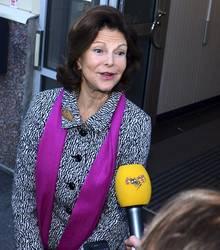"""Stolze Brautmutter: """"Wir sind sehr glücklich"""", sagte Königin Silvia den Reportern."""