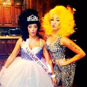 Miley Cyrus als Nicki Minaj