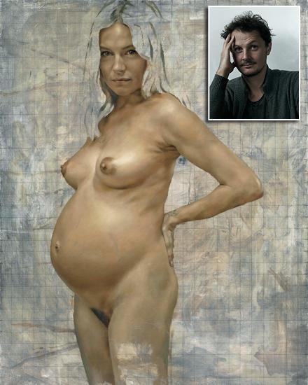Der Künstler Jonathan Yeo hat die schwangere Sienna Miller kunstvoll in Szene gesetzt.