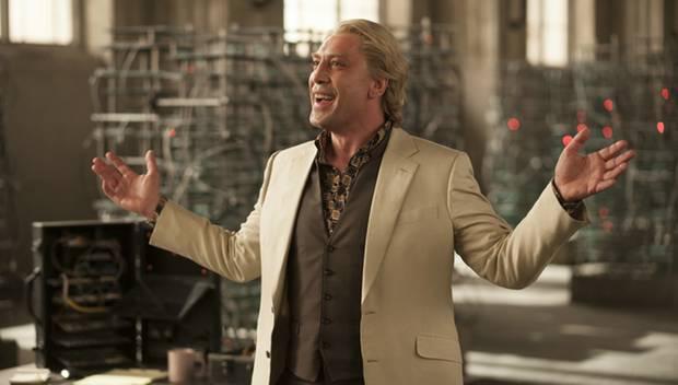 """Knallharter Gangster mit Entertainer-Qualitäten: Bardem als blondierter Raoul Silva. """"Er brachte Ideen mit, die ich zunächst für"""