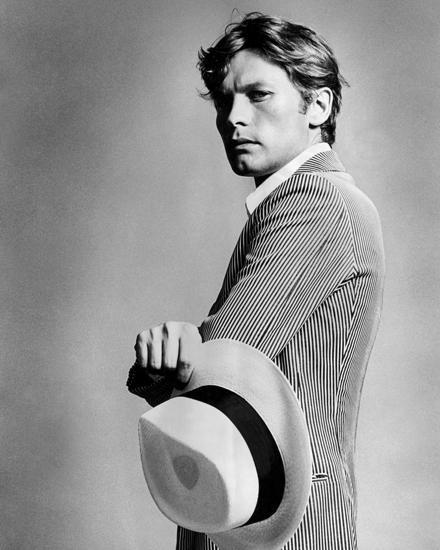 """Helmut Berger zierte 1970 als erster Mann die """"Vogue"""". Dieses Foto stammt aus der Strecke im Heft, auf dem Titel war er mit sein"""