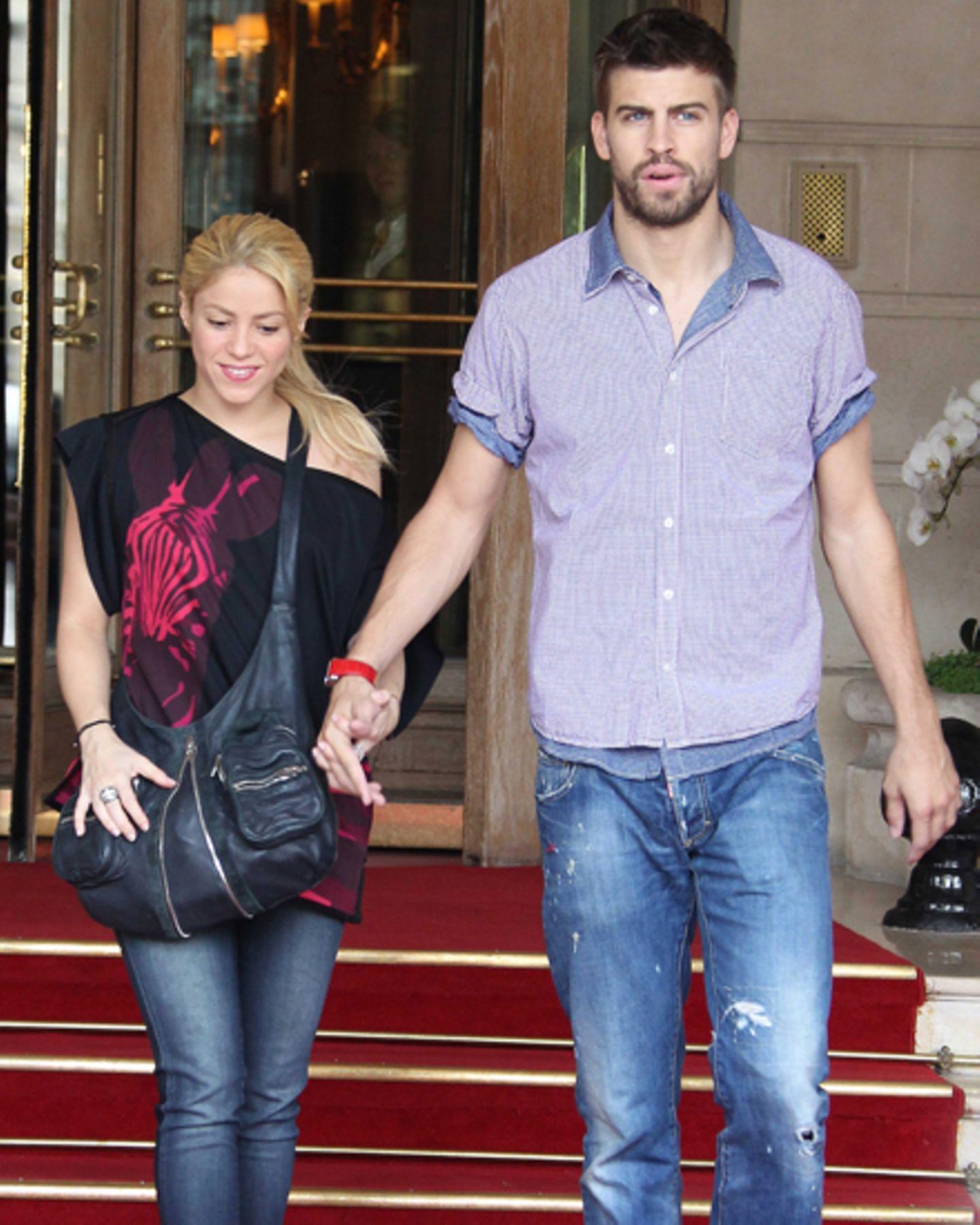 Seit Anfang 2011 sind Shakira, 35, und der spanische Fußballer Gerard Piqué, 25, offiziell ein Paar. Mitte September verkündete
