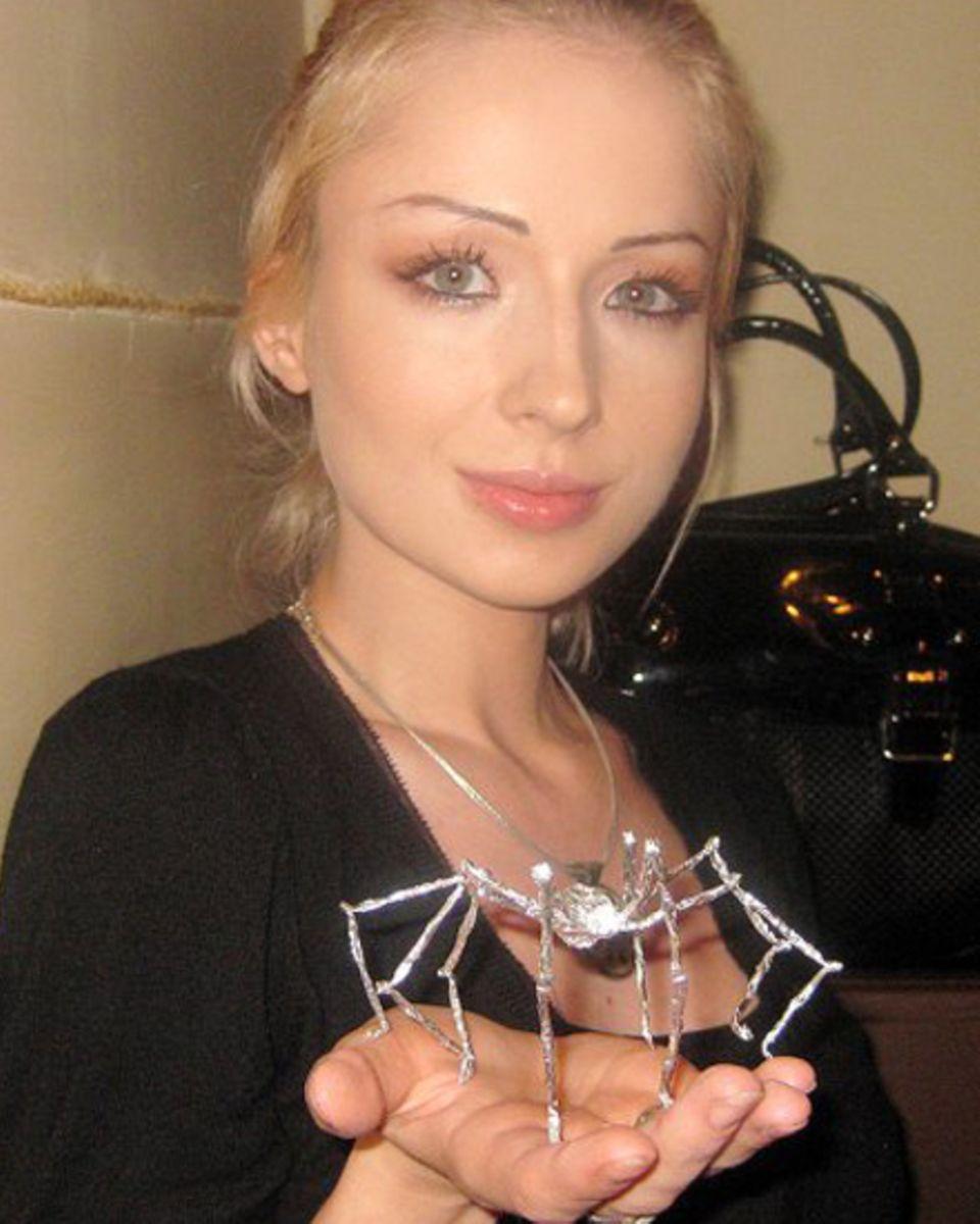 Valeria Lukyanova zeigt sich auch mit dezentem Make-up.