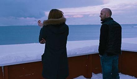 """Maria (Birgit Minichmayr) und Niels (Jürgen Vogel) erleben in """"Gnade"""" eisige Zeiten."""