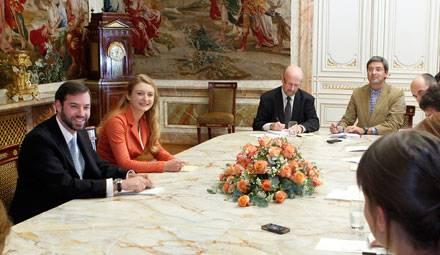 Guillaume von Luxemburg und Stéphanie de Lannoy geben der Presse Auskunft über Liebe, Leben und Zukunftspläne.