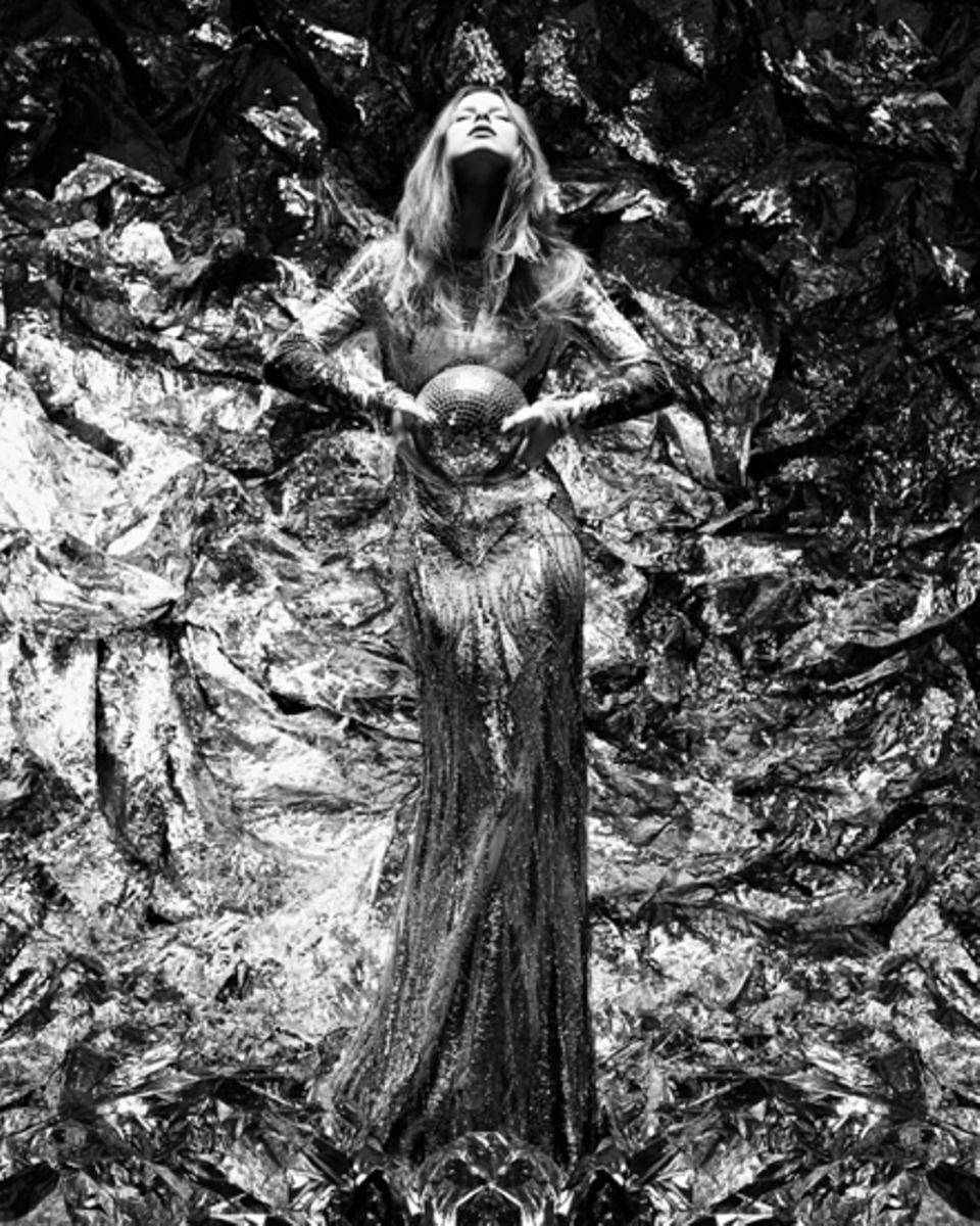 Wie aus einer anderen Welt: Lena- von Nicolas Kantor für Gala in Szene gesetzt.