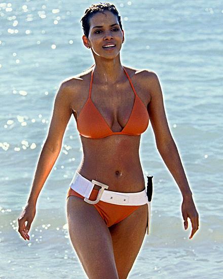 """Halle Berry als """"Jinx Johnson"""" in dem 007-Streifen """"Stirb an einem anderen Tag""""."""