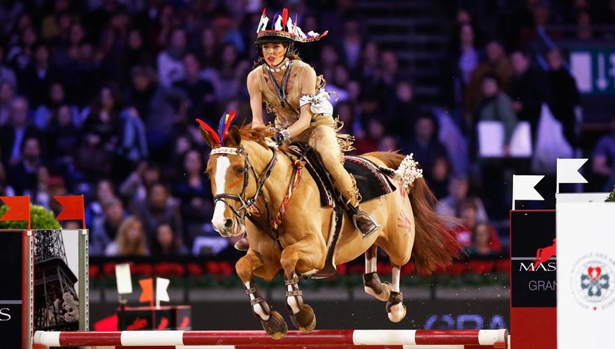 """Beim """"Style & Competition""""-Wettbewerb am Wochenende in Paris trat Charlotte Casiraghi mit ihrem Pferd Rubins Quibelle an. Verkle"""