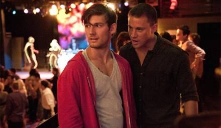 Frischfleisch gefunden - der erst 19-jährige Adam (Alex Pettyfer) erscheint Mike (Channing Tatum) als eine lohnende Investition.