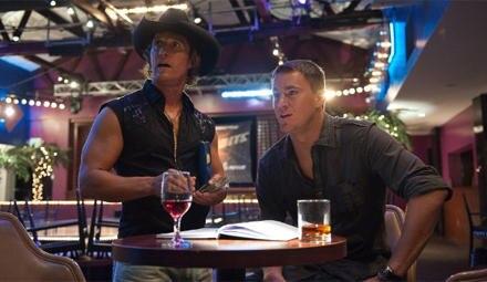 Sie sind die Chefs im Club: Dallas (Matthew McConaughey) und Mike (Channing Tatum).